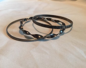 Metal bangle set of three