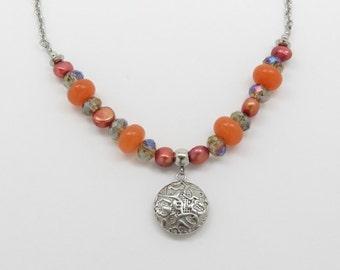 Short necklace, stones natural tones Orange