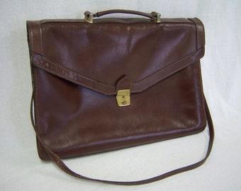 Vintage brown leather satchel briefcase/Brass hardware/Shoulder strap/Organization/Luggage
