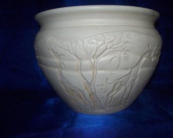 African Vase Giraffe's Design