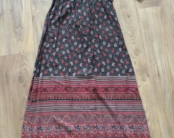 Vintage 70s Floral print hippy folk maxi dress, small