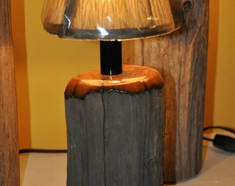 Cedar Driftwood Accent/Porch Lamp with Varnished Highlights and Candelabra Base