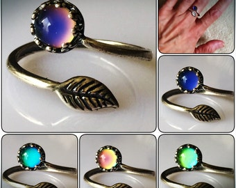 MOOD RING Silver Plated Leaf Adjustable Band Aurora Borealis Colorful Rainbow Jewelry