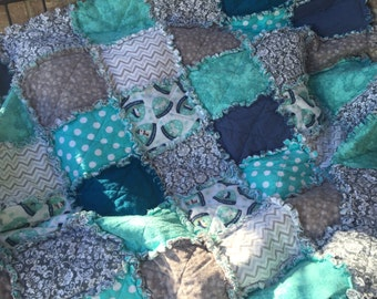 Winter Snow-Globe Sparkle Flannel Quilt