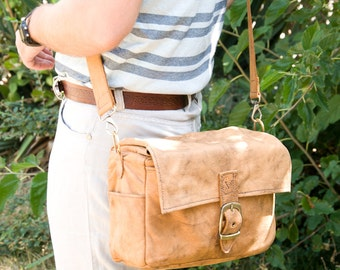 Top grain leather camera bag in tan