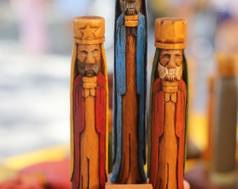 """Tres Reyes Magos (Three wise men) hand carved 8"""" Tall with the Puerto Rico Flag on front"""
