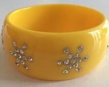 Vintage Weiss bakelite (might be lucite) & rhinestone bangle bracelet brilliant yellow