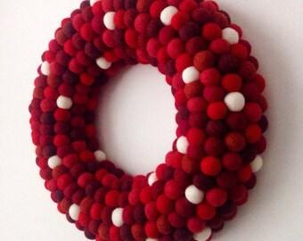 Christmas wreath. Felt ball Wreath. Christmas Decoration. Modern Wreath. Holiday Wreath. Red Wreath