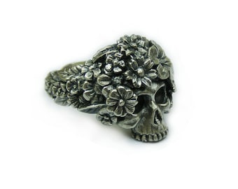 Skull Bouquet Ring