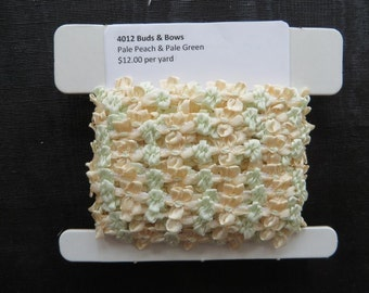 Buds and Bows Pale Peach and Pale Green 4012