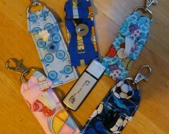 Key ring pockets: USB sticks/Lipsalve