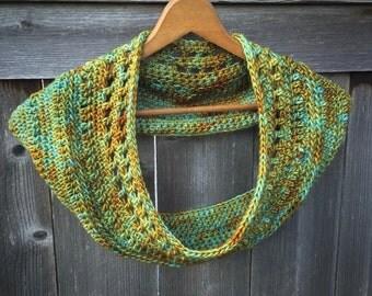 Women's Cowls   Women's Scarves   Handmade Gifts   Crochet Cowls   Wearable Art   Scarves   Merino Wool   Women's Accessories