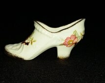Connoisseur English Fine Bone China Shoe. Vintage Miniature Decorative Porcelain Shoe Made in England. Collectible Gift. Pink Flowers Gold