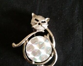 Rainbow Jewels Cat Brooch. 1.25 X 1.5 inch Silvertone