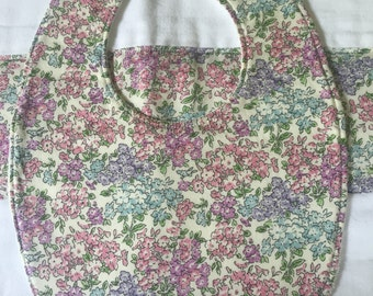 Liberty *Tiny Flowers: bib & burp cloth set