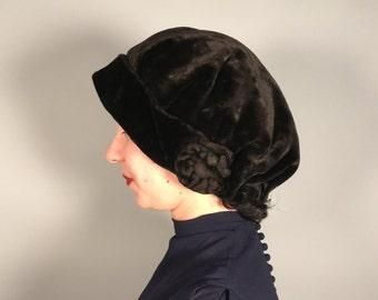 Vintage 1920s Hat | Black Velveteen Slouchy Cloche