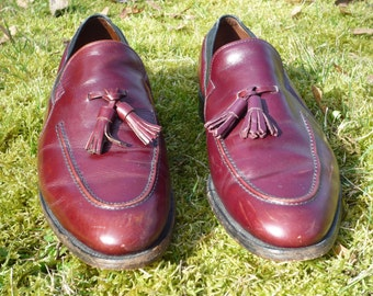 ALLEN EDMONDS 9 1/2 D made in the USA, liver red brown, tassled, leather loafers