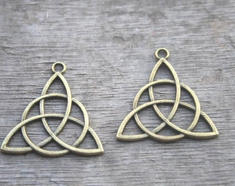 20pcs--Celtic Knot Charms, Antique bronze 2 Sided Celtic Knot pendants,Triquetra, Celtic Triquetra Knot, Trinity Knot 30x29mm D0116