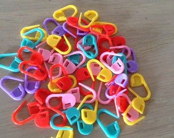Stitch marker 20 PCs-colored-plastic insert marker-crochet and knitting-Stitchmarkers 20 pcs-bright colours-knit and crochet