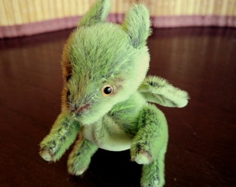 Mini artist dragon - teddy dragon - interior toy - art- artist dragon