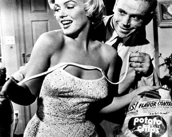 Marilyn Monroe Seven Year Itch Hollywood Poster Art Photo Artwork 11x14 16x20 or 20x24
