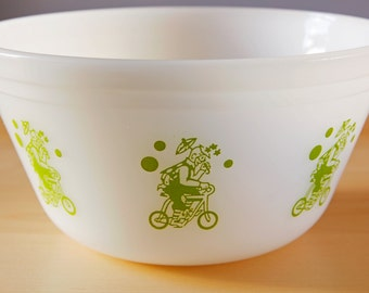 Vintage Federal Glass bowl Circus pattern-Clown milk glass/green