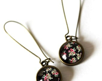 Cabochon 12 mm retro black Flower Earrings