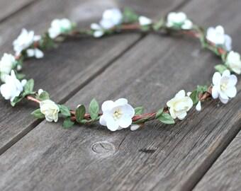 Ivory Wedding Headpiece, White Flower Crown, Rose Halo Wedding, Garland Hair Wreath, Ivory Floral Crown, Bridal Flower Halo, Floral Crown