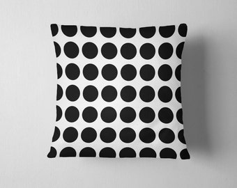 Dot pattern throw pillow with insert