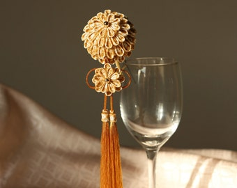 Golden Kusudama ball with tassel kanzashi