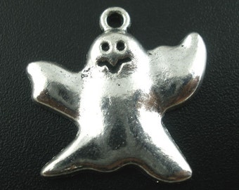 10 Ghost Charms Pendants 24 x 23mm Silver Tone Halloween Scary B03138