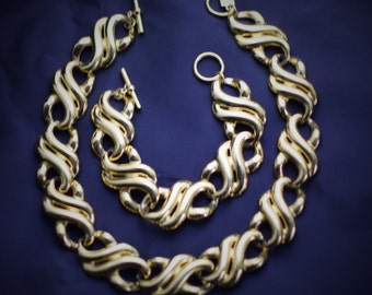 ANNE KLEIN Bright Gold Tone Link Statement Necklace and Bracelet Set