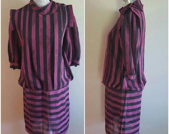 Vintage 1980s dress. Purple and black vintage 80s dress. Vintage floral 1980s black and purple dress. Womens Vintage floral dress. 80s dress