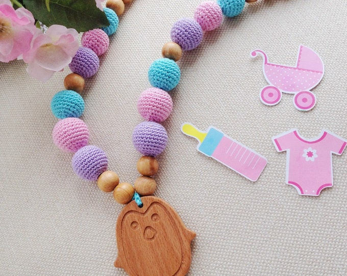 Nursing necklace / Teething necklace / Breastfeeding necklace - with a pinguin pendant Capcake