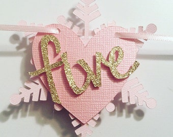 Snowflake and Heart Monthly Picture Banner! Picture display for First Birthday!
