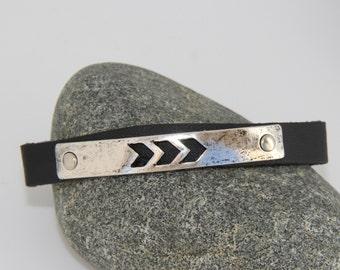 NAVARROS arrows leather and metal vintage bracelet