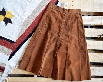 70s Women's Vintage Small <> High Waist Russet Brown Suede Leather A-Line Snap Front Midi Skirt <> Hippie Boho