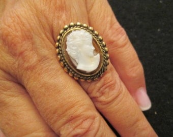 SALE>>Lovely Vintage 1950's CAMEO ring> new old stock>>larger size cameo, adjustable