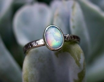 Sterling silver and Ethiopian Opal rustic ring - Carrack -