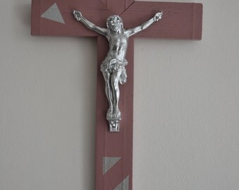 Crucifix cross wall decor modern triangle