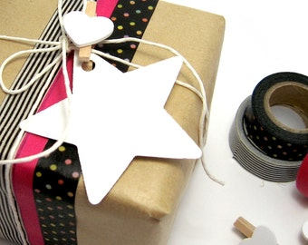 White gift tags star shaped paper swing tags for DIY wedding bomboniere gift wrapping party decorations and favours