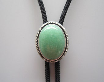 Silver Plated Handcraft Nature Green Aventurine Jade Oval Western Rodeo Bolo Tie