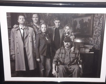 Supernatural family portrait photo in frame Dean Sam Cas Bobby Ellen Jo