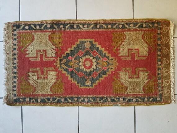 Bohemian decor handmade low pile small carpet decorative pale for International decor bath rugs