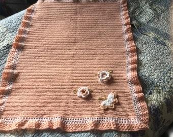 Crochet appliqué babby blanket