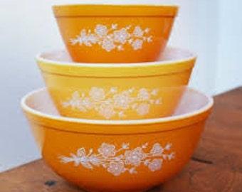Pyrex Butterfly Gold 3 Nesting Bowl Set