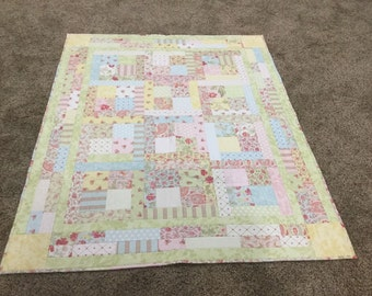 Pastel Floral Quilted Throw