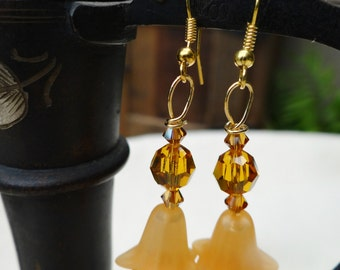 Handmade Orange Flower Dangle Earrings - ERU177