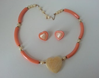 Avon Modern Heart necklace and earring set -book piece. 1988. coral