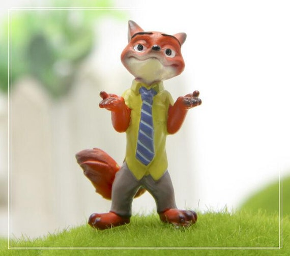 Disney Movie Zootopia Fox Figure Mini Garden Figurine Fairy Garden Accessories Moss Succulent Terrarium Accessories
